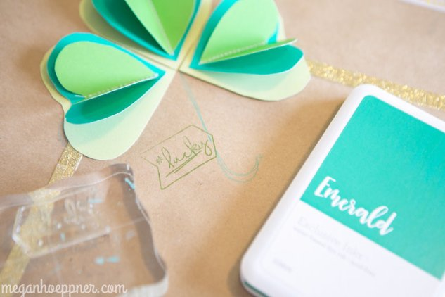 Setting a St. Patrick's Day Table #meganhoeppner #ctmh #closetomyheart #stpatricksday #kidscrafts #table #placesetting #crafting #decor
