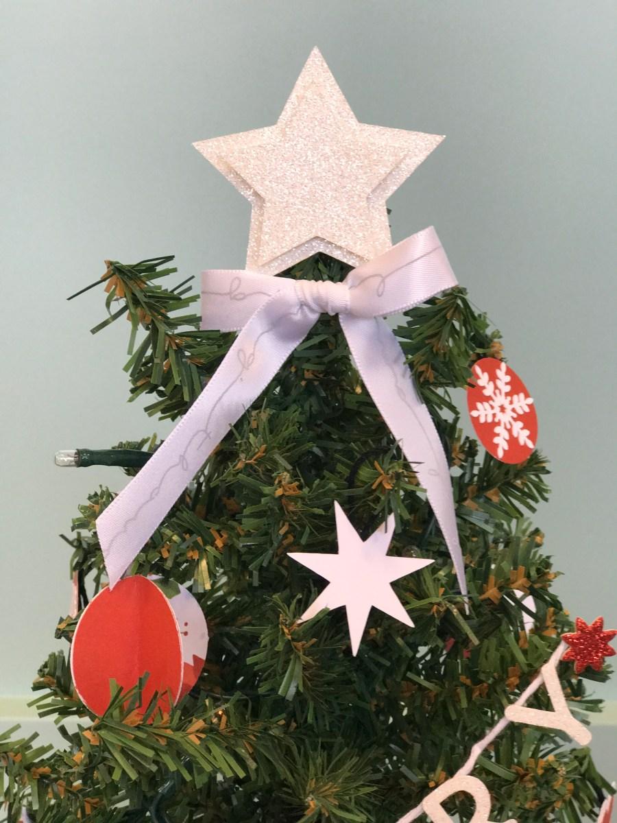 paper ornaments #ctmh #closetomyheart #paperornaments #ornaments #diy #Chrismas #tree #star #glitter #bow #ribbon