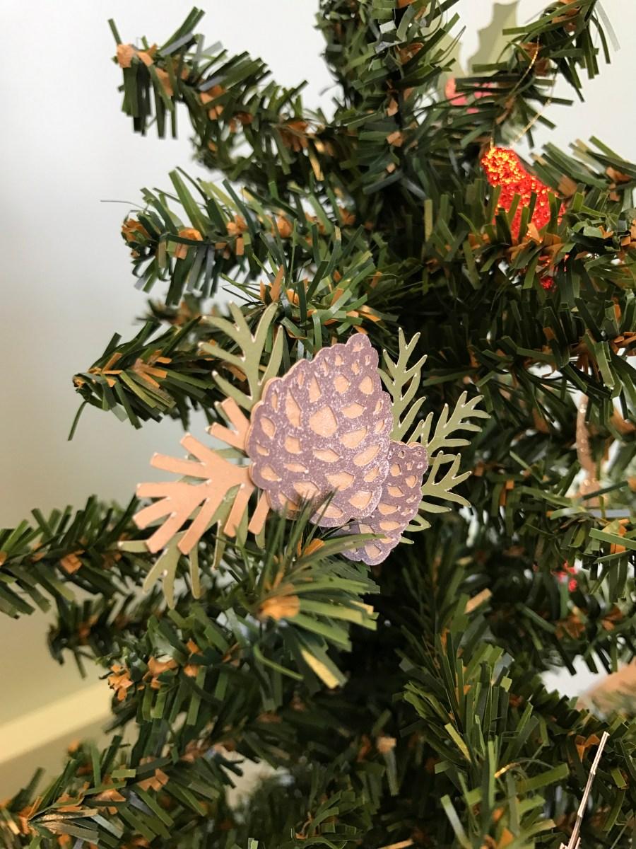 paper ornaments #ctmh #closetomyheart #paperornaments #ornaments #diy #Chrismas #tree #pinecone