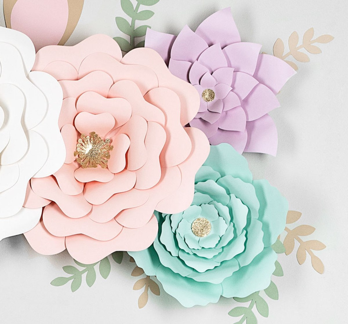 Floral Unicorn Wall #ctmh #closetomyheart #nationalpapercraftingmonth #unicorn #diydecor #cricut #flowermarker #paperflower #paperunicorn #girlsroom #youaregorgeous #diy #free #template