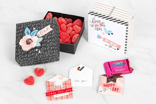 DIY Gift Boxes #closetomyheart #ctmh #ctmhperfectmatch #perfectmatch #valentine #giftboxes #diygift #diygiftboxes #diyvalentine #papercrafting