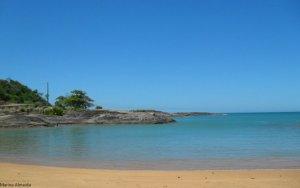 Praia de Setiba, em Guarapari, é uma das preferidas pelos turistas
