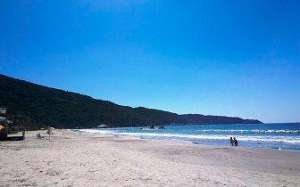 Dicas para curtir um final de semana na praia de Bombas, SC