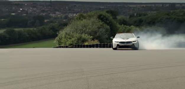 BMW i8 caught doing the electric slide