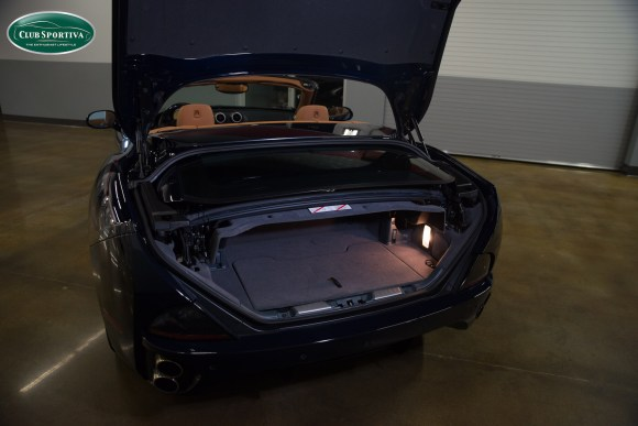 club-sportiva-ferrari-california-blu-pozzi-trunk