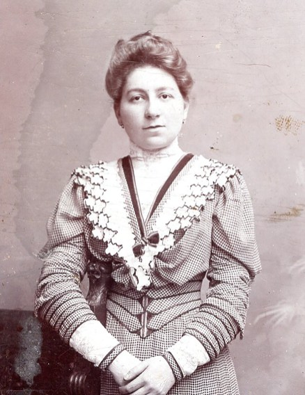 Roberta's grandmother Elisabet Engel in 1918, the year she most likely purchased the red vase.