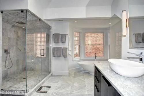 10 Beautiful Bathroom Inspirations
