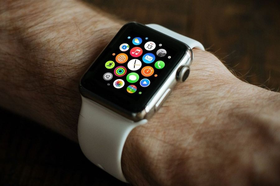 Smartwatch selection rules_TOP useful tips - smartwatches for the older generation