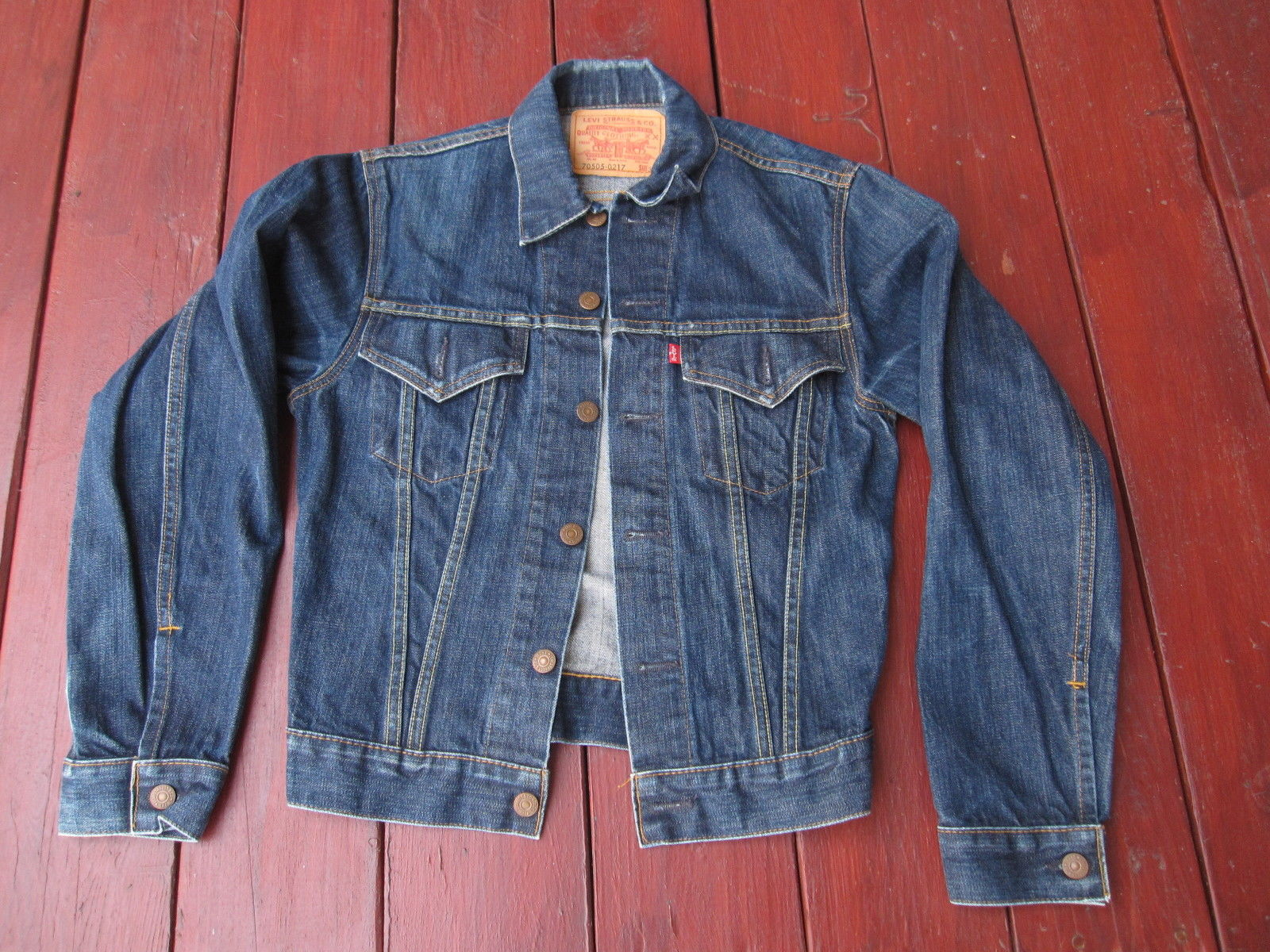 A Guide To Buying Vintage Levi S Trucker Jackets On Ebay