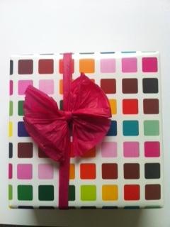 Choisir un papier cadeau attractif pour faire son cadeau de Yankee Swap