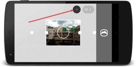 Daar is de benodigde knop die pas na het maken van een 'gewone' panoramafoto verschijnt.