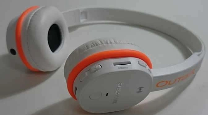 Een Bluetooth headset, meer geavanceerde exemplaren hebben aptX aan boord (bron afbeelding: https://commons.wikimedia.org/wiki/File:Creative_Outlier_Bluetooth_Headset.jpg)