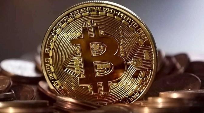 De Bitcoin bestaat helemaal niet als échte munt (bron afbeelding: https://pixabay.com/nl/bitcoin-geld-gedecentraliseerde-2008262/)