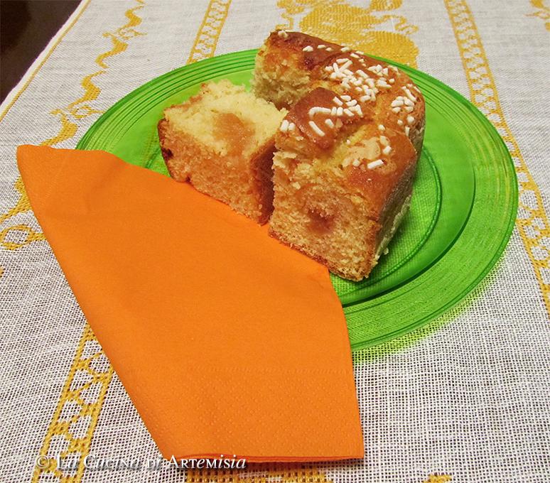 Torta soffice allo yogurt greco e marmellata di mele cotogne