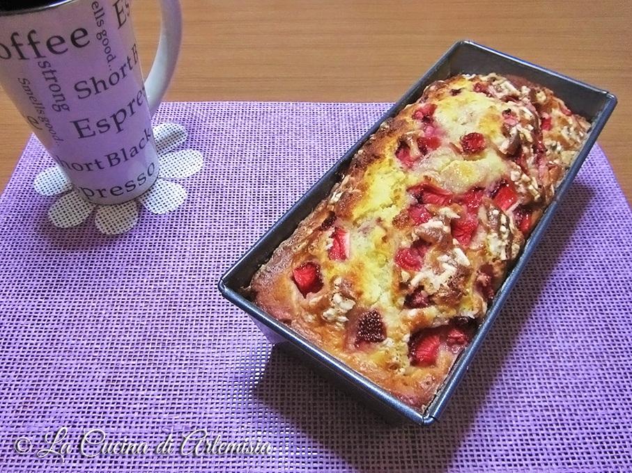Plumcake con ricotta e fragole