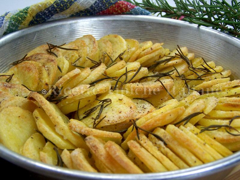 ricette_tipiche_italiane_patate-al-forno-croccanti