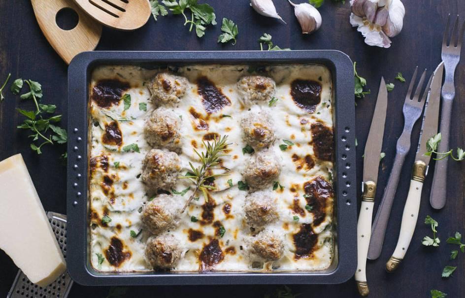 Receta de albóndigas con verduras al horno