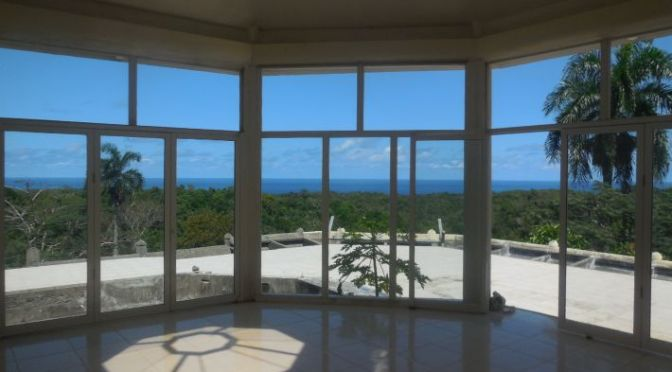 Top of the World – Spectacular Ocean and Mountain Views!
