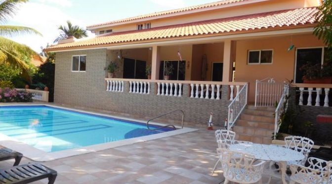 Casa Linda villa for sale