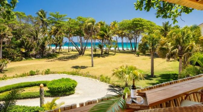 Cabarete Beachfront luxury Villa with two bungalows and Tree house !!