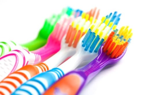 10 Amazing Uses for your Old Toothbrush