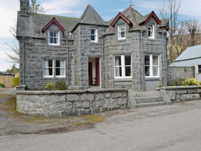30% off The Old Post Office, Highlands. Was £503.00 Now £362.90. Available on: 12-04-2014 for 7 nights. Sleeps 7. Info: http://bit.ly/1mutf8c.