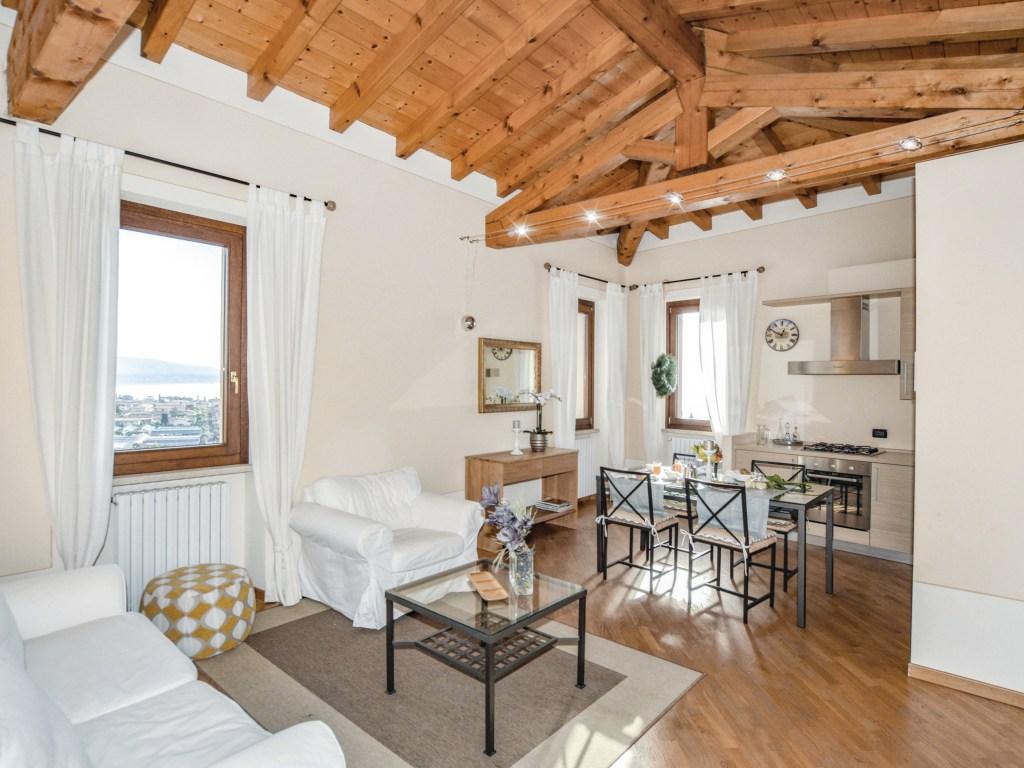 https://www.cottages.com/cottages/appartamento-caprera-ivg379