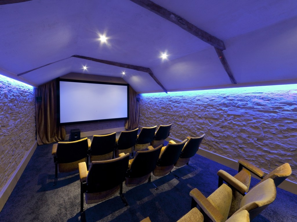 Home cinema holiday cottage