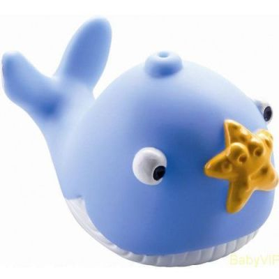 An adorable blue what and seastar friend squirt water during bath time for instant fun.