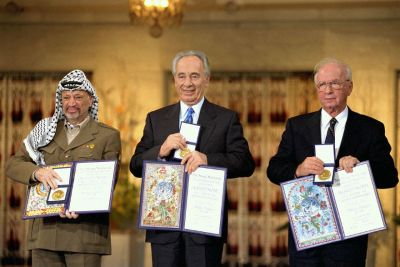 Shimon Peres: de militar a militante pacifista