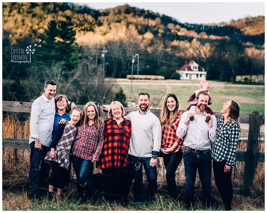 Christmas Eve-Eve Extended family Portrait Session