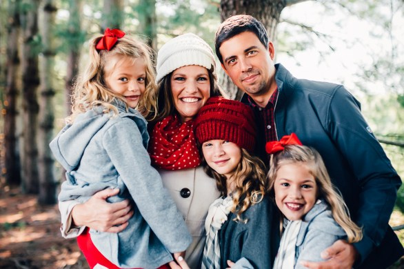 Holiday Mini Sessions with Crystal Freemon Photography at Country Cove Farms