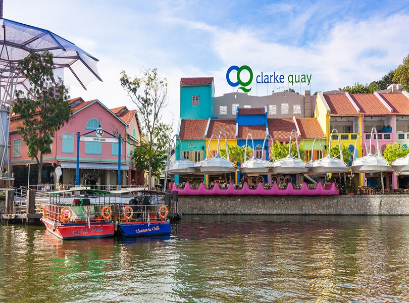 A STROLL ON CLARKE QUAY AND BOAT QUAY