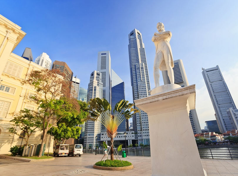 A VISIT TO THE STATUE OF SIR STAMFORD RAFFLES