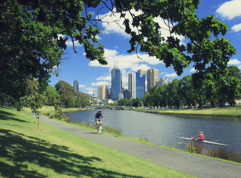 CYCLE AND EXPLORE THE CITY LANES