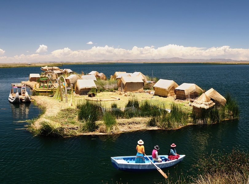 VISIT THE FLOATING REEDS ON LAKE TITICACA