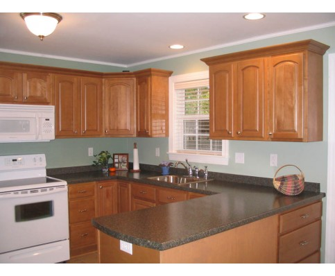 The Benefits of Maple Cabinets | CS Hardware Blog on Maple Cabinets Kitchen  id=70620