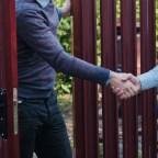 5 thoughtful ways to establish friendly relationships with your new neighbors