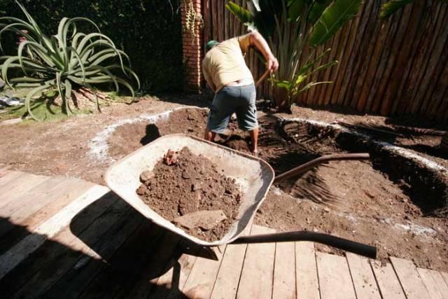 Escavação do lago ornamental passo a passo