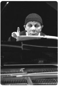 Buffo au piano