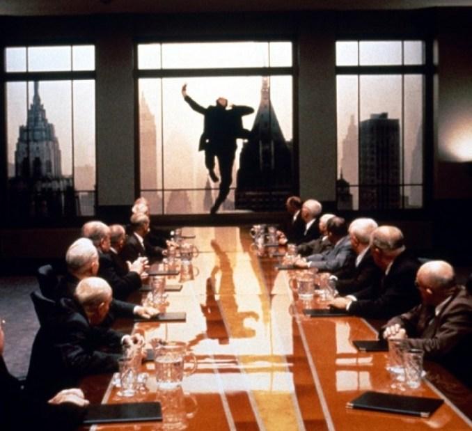 "Image du film ""Le grand saut"" (The Hudsucker Proxy)"