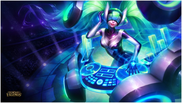 playing dj sona on league of legends