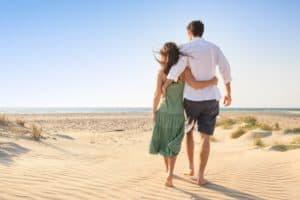 couple-beach