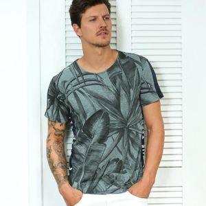 5 camisetas masculinas para os looks de carnaval