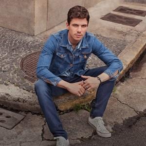 Aprenda como usar camisa jeans masculina