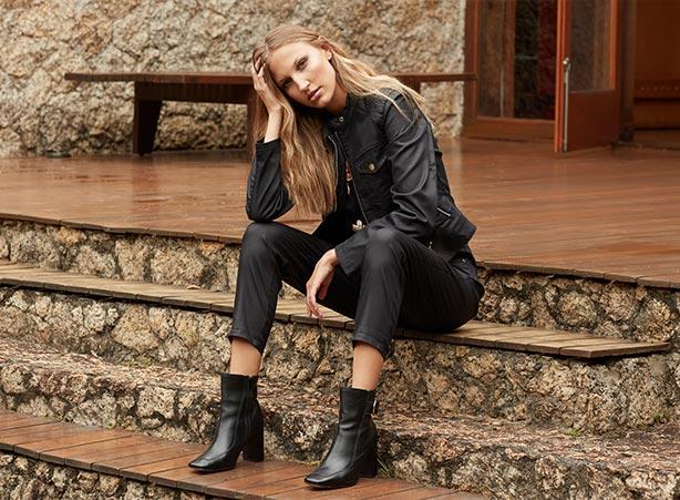 Jaqueta e calça resinados preto