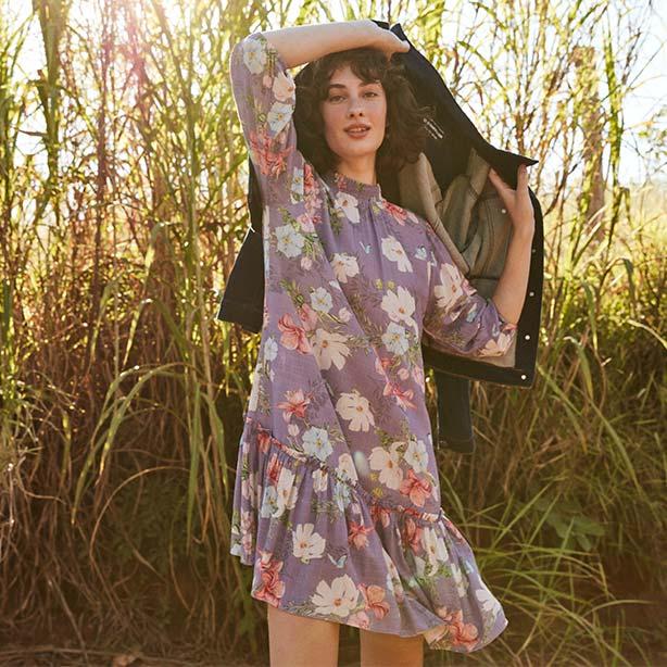 Vestido médio floral