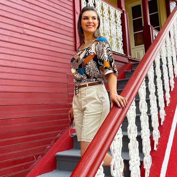 Bermuda feminina de alfaiataria