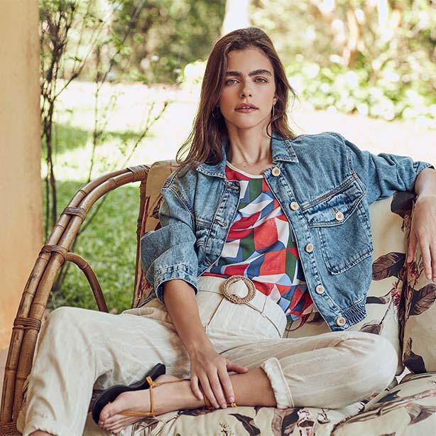 Calça de alfaiataria com jaqueta jeans feminina