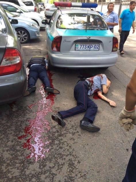 Жарақат алған Алматы қаласының тәртіп сақшылары.